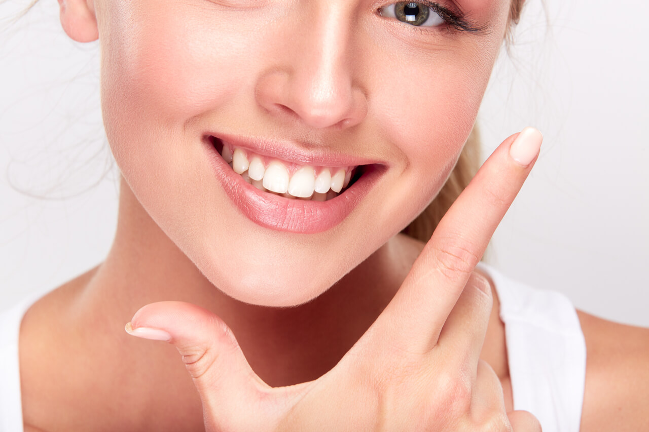 is it better to get a root canal or tooth extraction