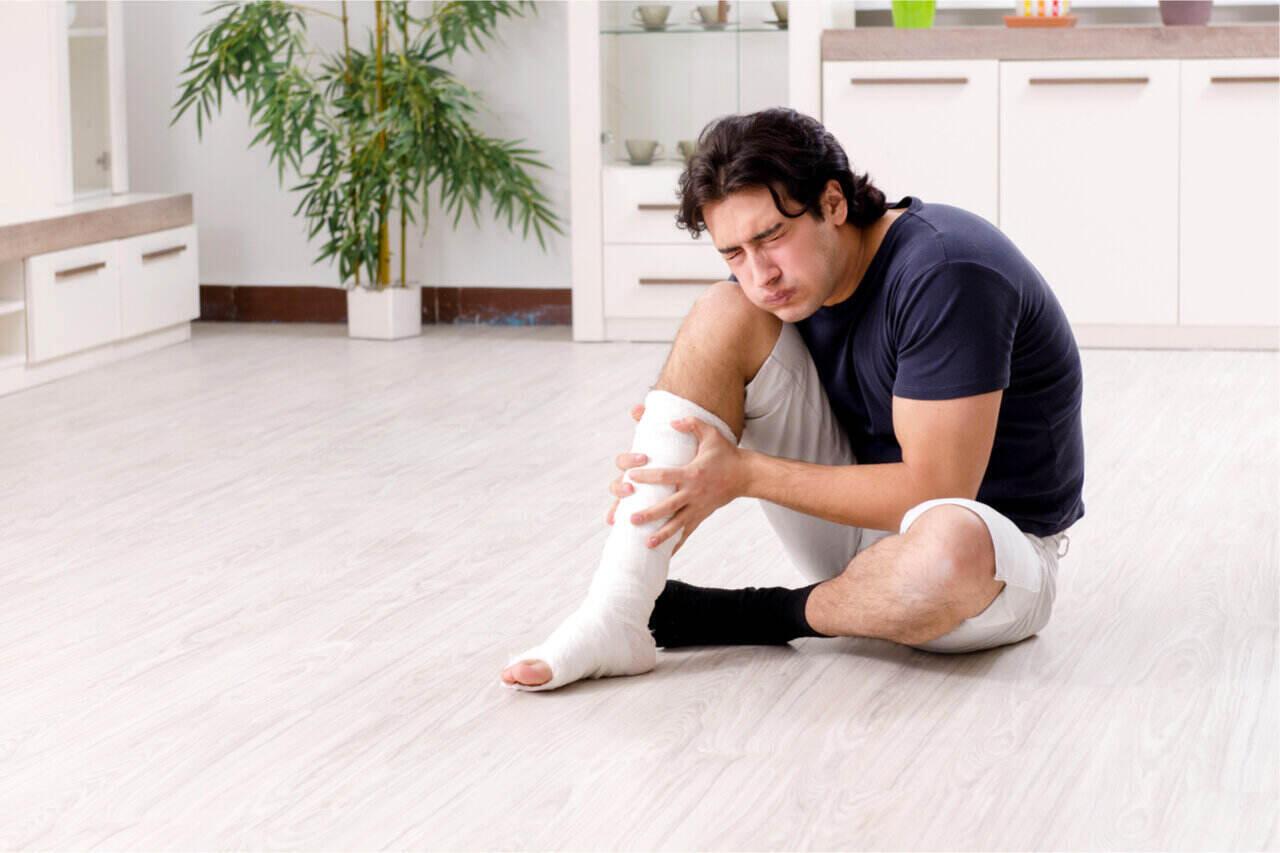 a man experienced a tendon injury